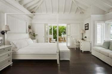 Intérieur de la Luxury Villa avec son lit à baldaquin