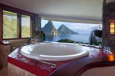 Depuis son jacuzzi ou depuis sa villa , on a toujours la même vue fabuleuse