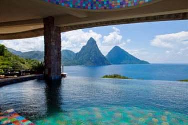 L'architecture atypique de l'hôtel Jade Mountain à Sainte Lucie