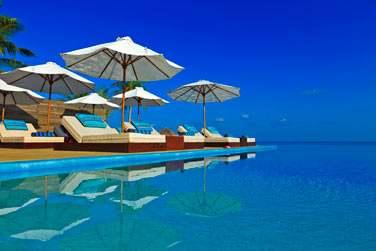 Ici, vous aurez tout le loisir de vous détendre, de lézarder au bord de la piscine