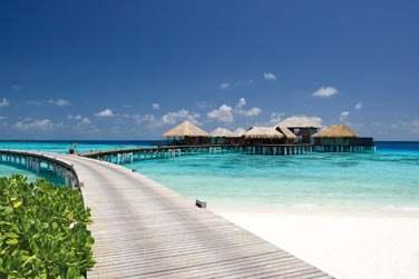 Le Spa est en retrait sur l'île pour plus de calme et de tranquillité