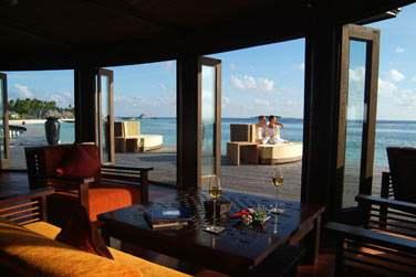 Espaces extérieurs pour boire un verre, espace intérieur pour un dîner en amoureux