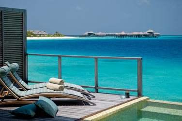 Terrasse et piscine privée de votre Villa sur Pilotis