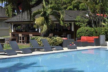 Farniente au soleil au bord de la piscine...