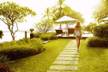 Luxueux havre de paix s'étendant sur un jardin tropical de 14 hectares entouré de champs de canne à sucre