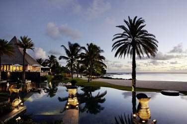 L'hôtel se cache au sud de l'île Maurice, dans la partie la plus préservée.