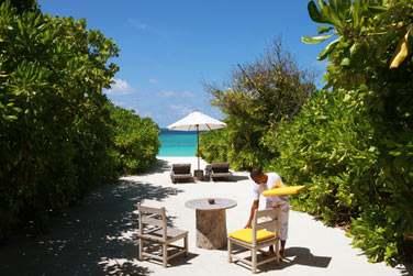 Vue depuis votre Beach Villa, quelques pas seulement mènent tout droit au lagon !
