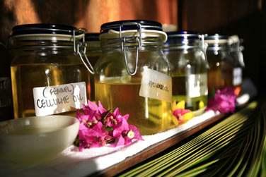 Les soins sont élaborés à base de produits locaux : citronnelle, noix de coco, vanille, etc.