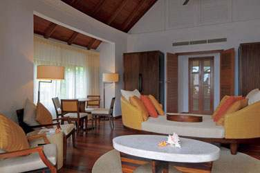 Le coin salon de la Double Storey Beach Villa