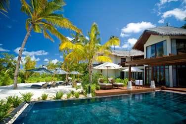 La Villa Présidentielle enfouie dans la végétation tropicale