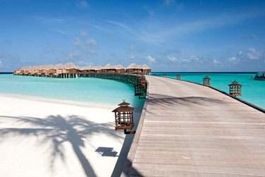 Vous accéderez à vos villas sur pilotis par une jetée depuis la plage