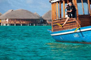 De nombreux sites de plongée se trouvent aux alentours de l'hôtel... La barrière de corail est à 50-100 m de la plage.