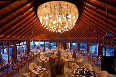 Le Jahaz est le restaurant principal et vous propose une cuisine internationale ainsi que des soirées à thème