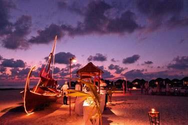 Vous serez conquis par les soirées sur la plage avec dîner sous forme de buffet... Ambiance festive au rendez-vous