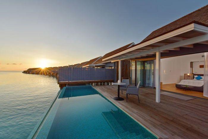 villa sur pilotis thundi avec piscine