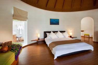 Intérieur de la Superior Beach Villa avec bain à remous