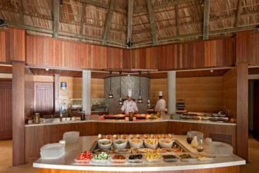L'hôtel Ephelia vous propose un choix de 5 restaurants et 5 bars ! Le restaurant Helios 'Mediterranean'