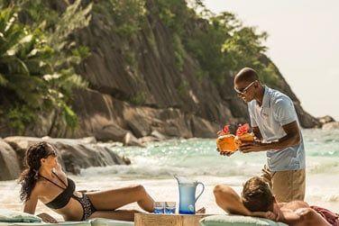 Dégustez un délicieux cocktail sur la plage...