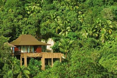 Garden villa entourée de végétation garantissant l'intimité