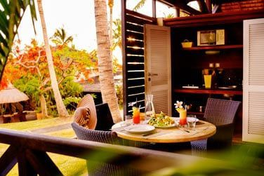 La terrasse du bungalow avec kitchenette