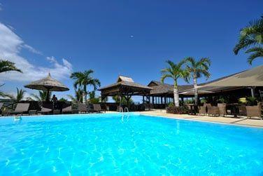 Un petit plongeon dans la grande piscine de l'hôtel ?