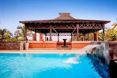 Ces chambres bénéficient d'une espace dédié avec piscine