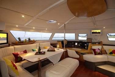 Un catamaran spacieux et confortable