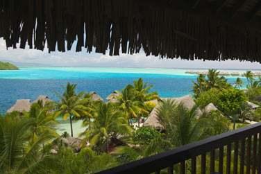 La vue depuis le balcon d'une chambre océan