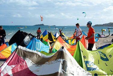(Re)découvrez le kitesurf au Club Friendly Global Kite School, situé à l' Hôtel Mourouk Ebony