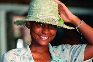 Le sourire authentique illumine le visage des gens d'ici le plus naturellement du monde...