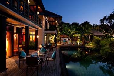 Terrasse et piscine de la Celebrity Retreat
