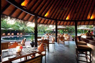 Le Fluid Family Pool & Bar, un bar-snack familial situé au bord de la piscine