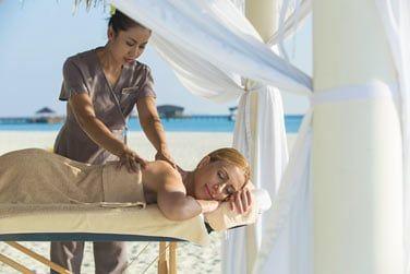 Profitez d'un délicieux massage face à l'océan...