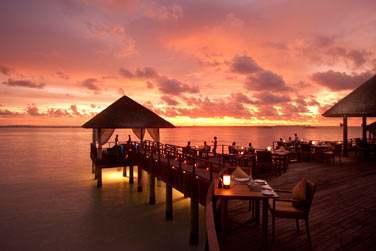 Dîner sur pilotis dans une ambiance parfaitement romantique au Trio Restaurant
