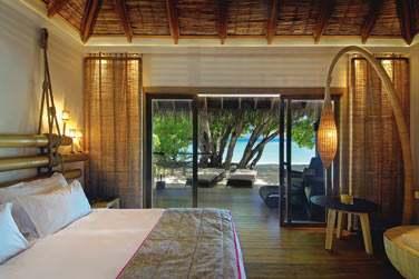 La chambre de la Villa Plage, donnant sur la terrasse et située à quelques pas de la mer