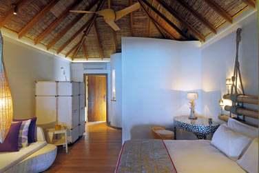 Intérieur de la Villa Plage avec la salle de bain dans son prolongement