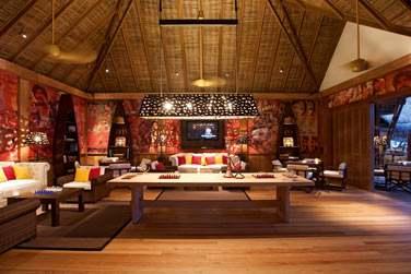 Rendez-vous au salon pour une pause lecture, télé, internet ou jeux de société