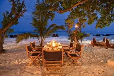 L'hôtel organise des dîners sur la plage pour vos événements privés. Pour des moments entre vous, en totale intimité