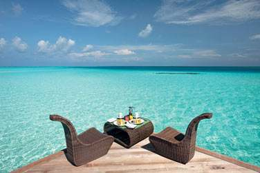 Un petit déjeuner face au lagon... De quoi bien commencer une journée de vacances