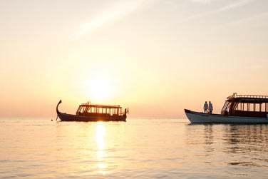 Une croisière au coucher du soleil à bord d'un dhoni...