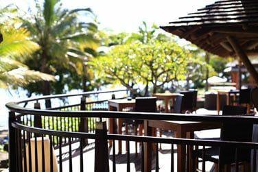 Le Baboon Bar surplombant la baie de Tamarin. La vue est exceptionnelle...