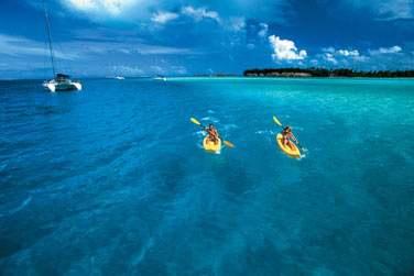 En Kayak .. vous serez libre de découvrir le lagon à votre guise ..