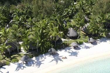 La plage de la Pointe Matira est l'une des plus belles plages de Bora Bora