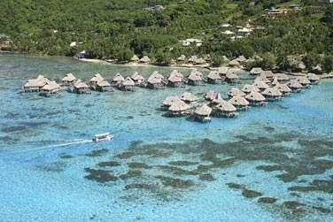 Le sublime hôtel Sofitel Ia Ora Moorea vous accueillera avec le plus grand confort