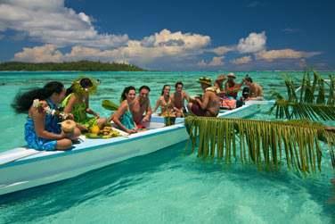 Le combiné Romance Polynésienne vous permet une découverte des 3 iles les plus connues de la Polynésie : Tahiti, Moorea et Bora Bora