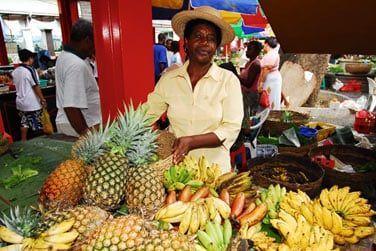 Le marché aux fruits et légumes de la capitale Victoria