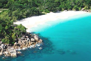 Superbe plage de sable blanc...