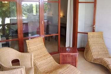 Vous bénéficiez d'une petite terrasse avec une superbe vue sur le lagon