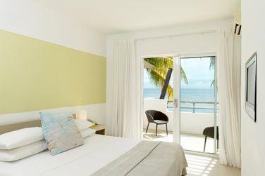 La chambre standard couple avec sa belle vue sur l'océan