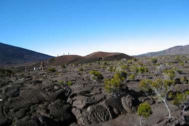 Randonnée au volcan, le Piton de la Fournaise : de véritables paysages lunaires...